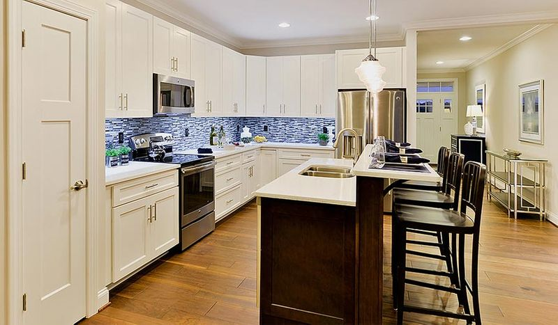 York White Paint Kitchen Cabinets