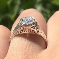 Wilona - 1930's 18k White Gold & Diamond Vintage Engagement Ring