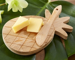 Kate Aspen Pineapple Cheeseboard and Spreader