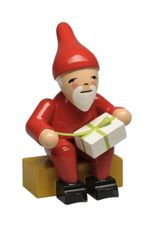 Gnome Holding Gift (New in 2019) - Wendt & Kuhn