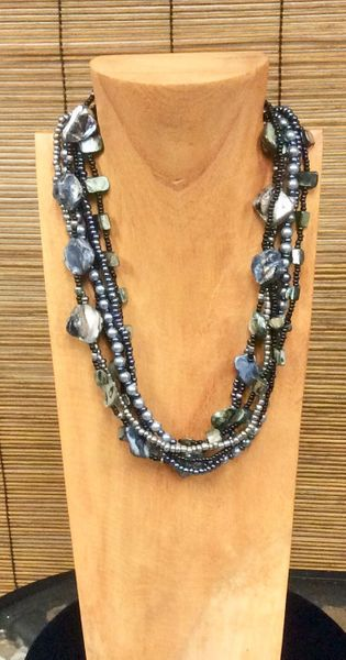 Fall Pearl Necklace - Black