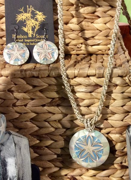 Starfish Necklace in Sea Shell Circle