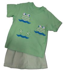 Funtasia Too Frogs and Friends green shirt with three frog faces and matching shorts.