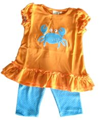 Luigi Maryland Crabs soft cotton ruffle knit shirt with a crab and printed straight capri leggings with polka dots. Soft cotton.