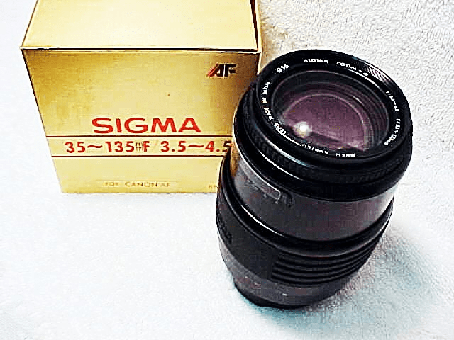 35-135mm f3.5-4.5 Sigma Lens for Canon EOS Film Cameras (New)