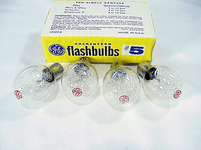4 GE Clear Press base style flashbulbs (No 5)