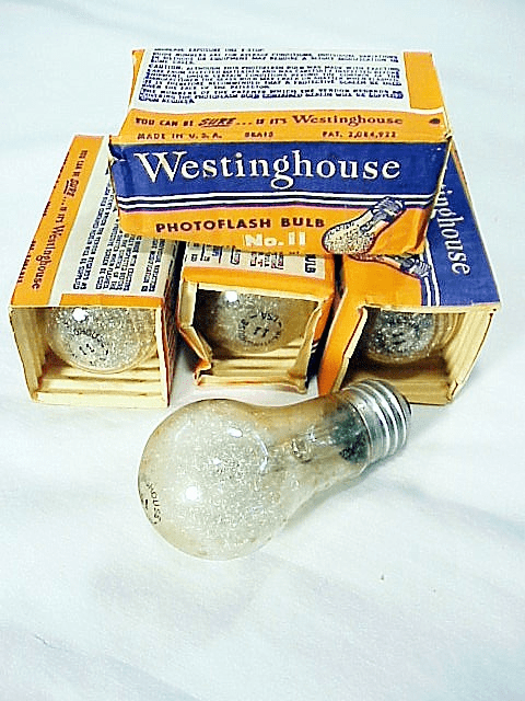 4 Westinghouse No 11 Household Screw in  base Flashbulbs (No 8)