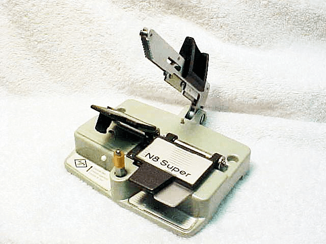Agfa Super 8 Cement Type Splicer with instructions (No 11)