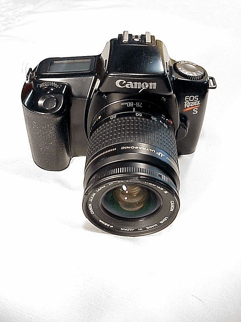 Canon EOS Rebel S w/ 28-80mm f3.5-5.6 Lens