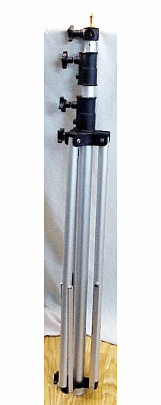 Large Solid Generic Light Stand (Extends to 8 1/2 Feet)