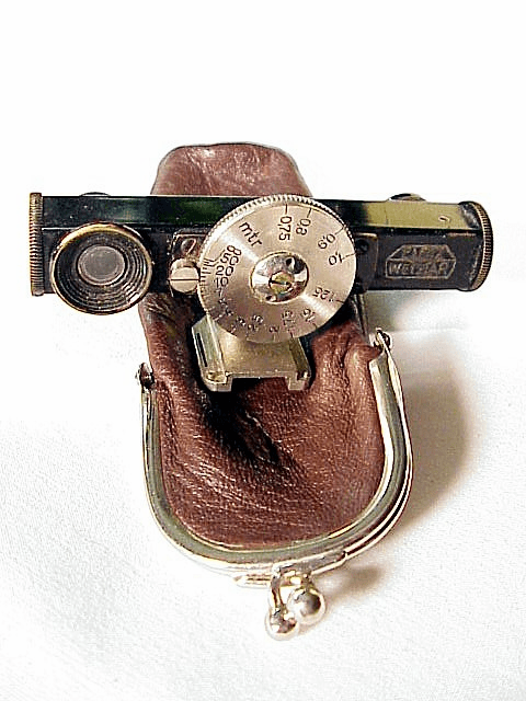 Leica Rangefinder with swivel shoe and leather purse