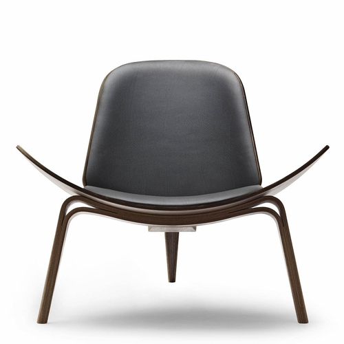 Carl Hansen & Son CH07 Shell Chair, Walnut Oil, Thor 301 Leather