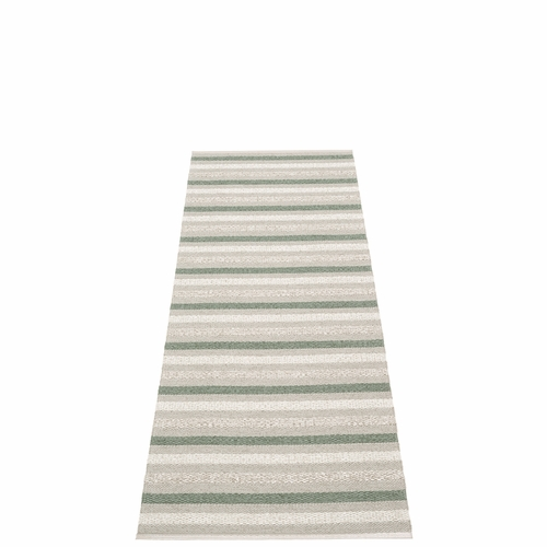 Pappelina Grace Plastic Rug - Warm Grey, 2 1/4' x 6 1/2'