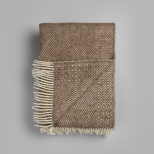 "Roros Tweed Kattefot Wool Blanket with Fringes, Brown - 55"" x 87"""