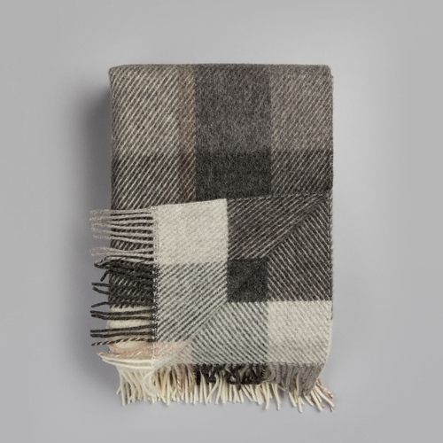 "Roros Tweed Myrull Wool Blanket with Fringes, Light Grey - 55"" x 87"""
