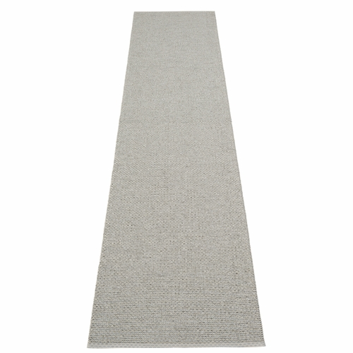 Pappelina Svea Plastic Rug - Warm Grey/Granite Metallic, 2 1/4' x 13 1/4'