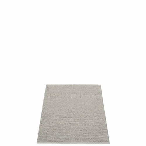 Pappelina Svea Plastic Rug - Warm Grey/Granite Metallic, 2 1/4' x 3'