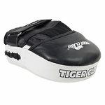 TIGER CLAW CURVED LEATHER FOCUS MITT - image 1
