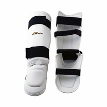 TIGER CLAW VINYL SHIN INSTEP GUARD WHITE