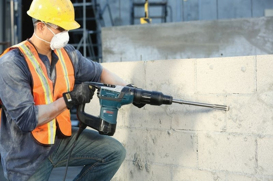 BOSCH RH540M - 1-9/16 SDS-Max Combination Hammer