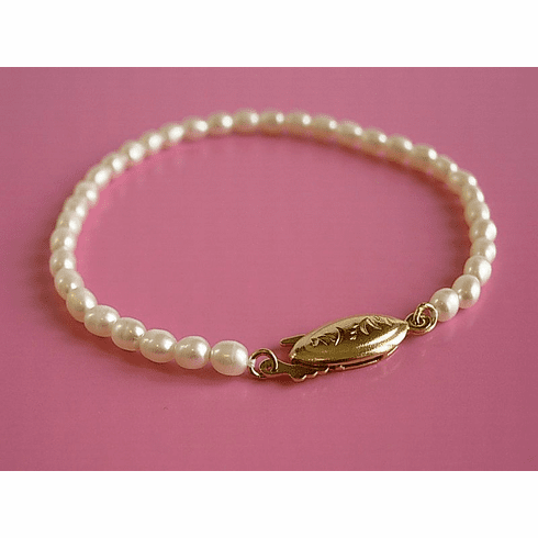 Fresh water rice pearl bracelet