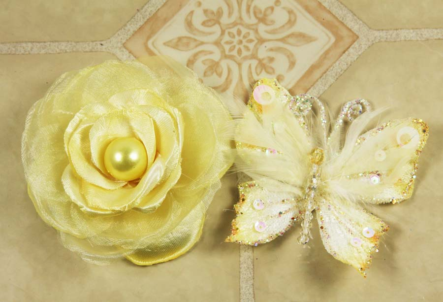 Prima Flowers: Andorra with Butterfly - Lemon Ice (E)