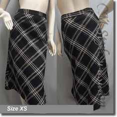 Plaids Check Tartan Prints Skirt Black