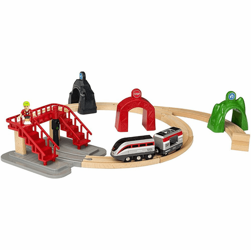 BRIO Railway - Smart Engine Set with Action Tunnels