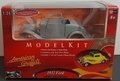 "Motor Max ""American Graffiti"" 1932 Ford 3-Window Coupe Street Rod, Diecast Kit"