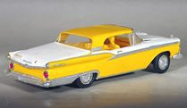 AMT 1959 Ford Skyliner Retractable Hardtop 3 in 1 Built Kit