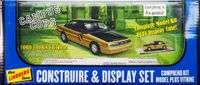 "Lindberg 1997 Ford Crown Victoria ""Campus Cops"" 4 Door Sedan Pre-Painted with Chrome Base Display Case"