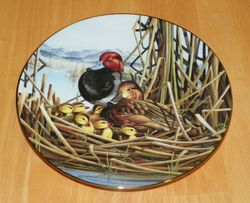 Collector Plate Safe and Sound A Loving Look Duck Families Series 1991
