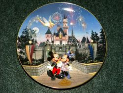 Collector Plate from Disneyland's 40th Anniversary Series.   Issue 1 of 12 titled: Sleeping Beauty Castle Out of Stock
