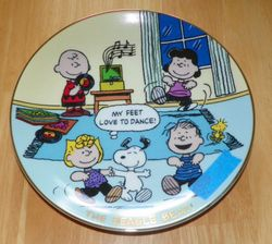 Collector Plate Peanuts The Beagle Beat Peanuts Magical Moments #D5920  SOLD