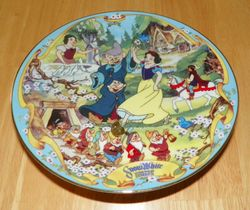 Disney Musical Memories Collector Plate 1995 The Fairest One of All Snow White