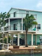 Square Stainless Steel Posts w/ Wood Rail - Summerland Key, FL