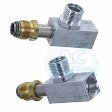A/C Fitting Tee Block w/Swivel Nut #10