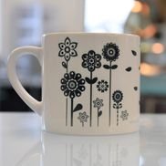 LIZZY'S GRAPHIC FLOWER MUG-6 OZ