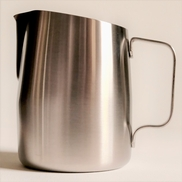 PITCHER STEAMING SLOWPOUR 22 OZ SS SHARP SPOUT (7110ST)