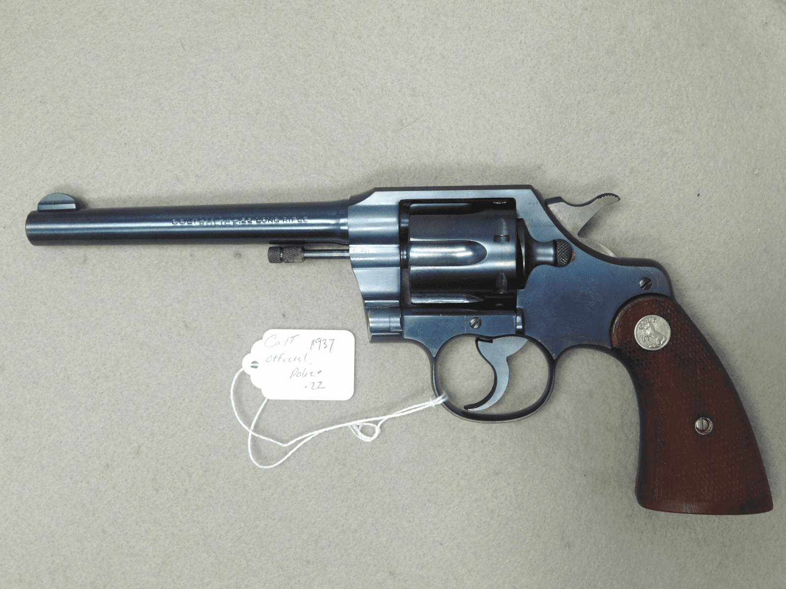 Colt official police .22 yr 1937