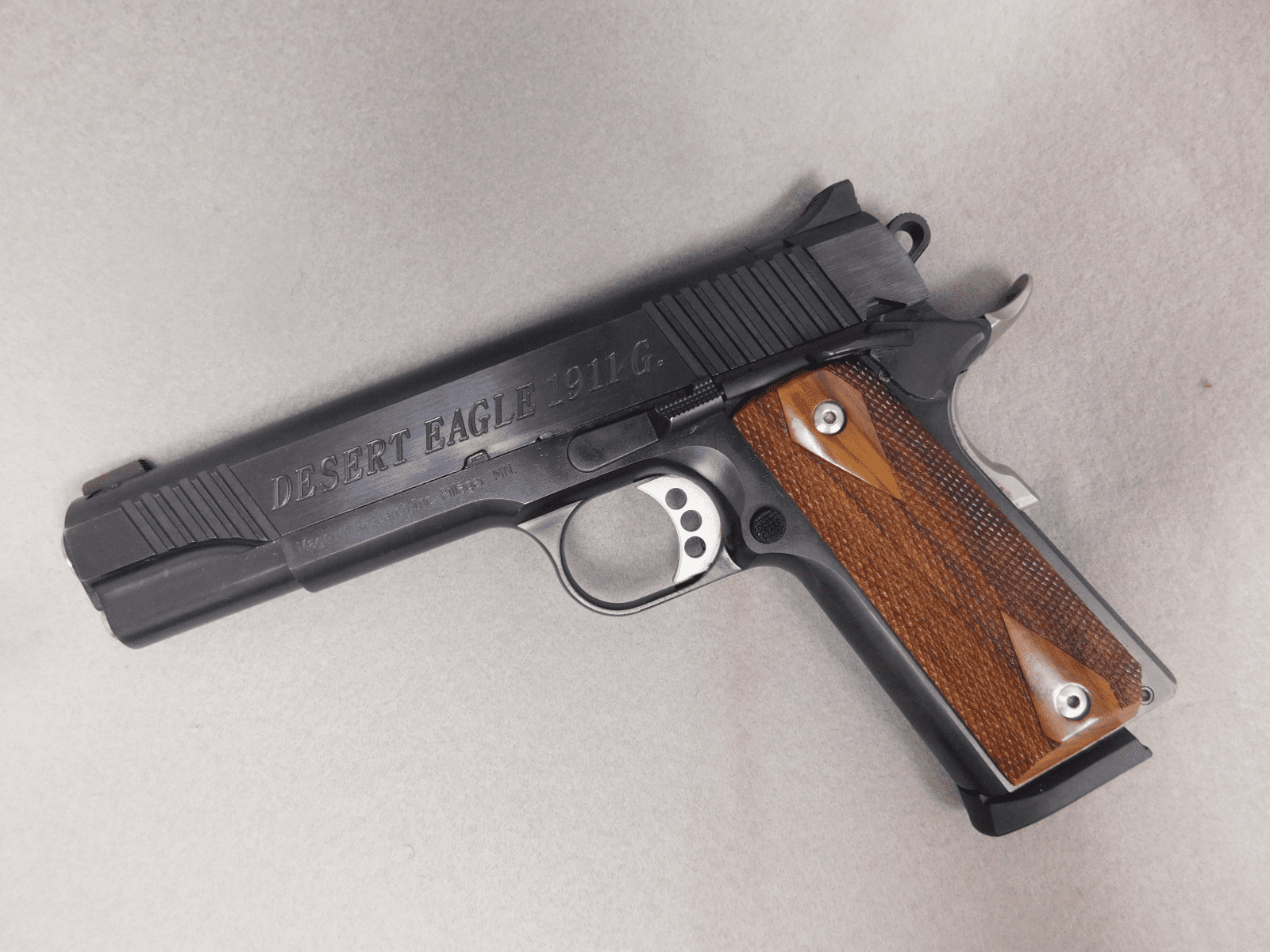 Magnum Research Desert Eagle 1911 (.45)