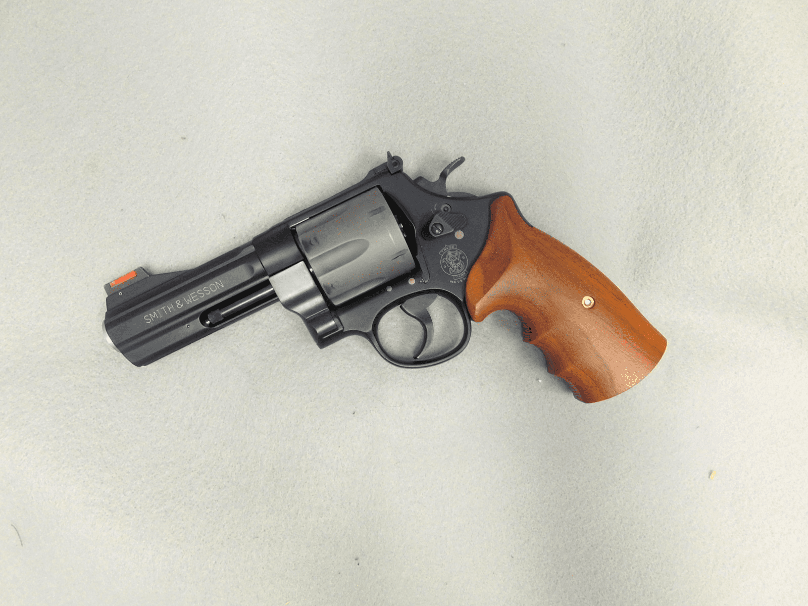 Smith & Wesson 329PD (.44mag)