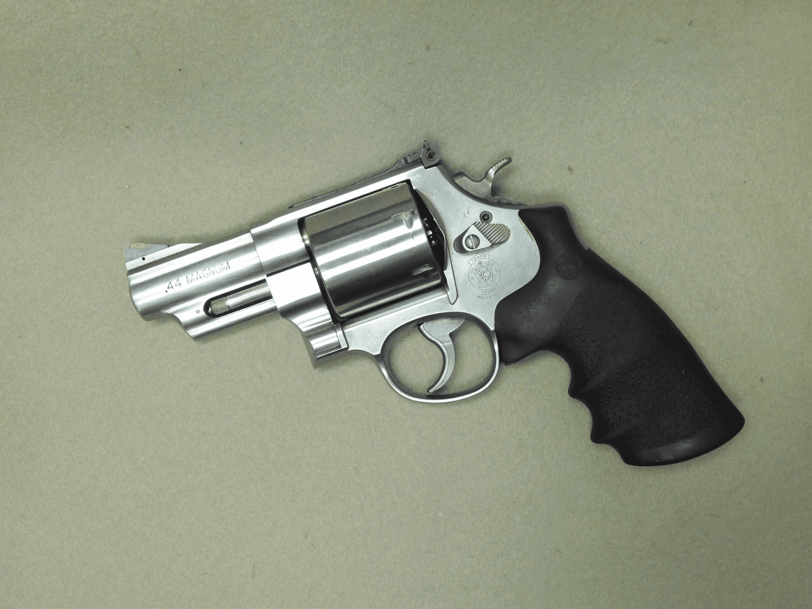 Smith & Wesson 629-6 (.44mag)