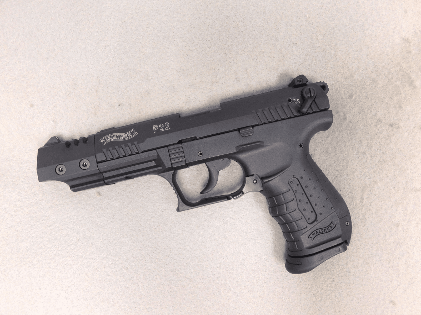 Walther P22 (.22)