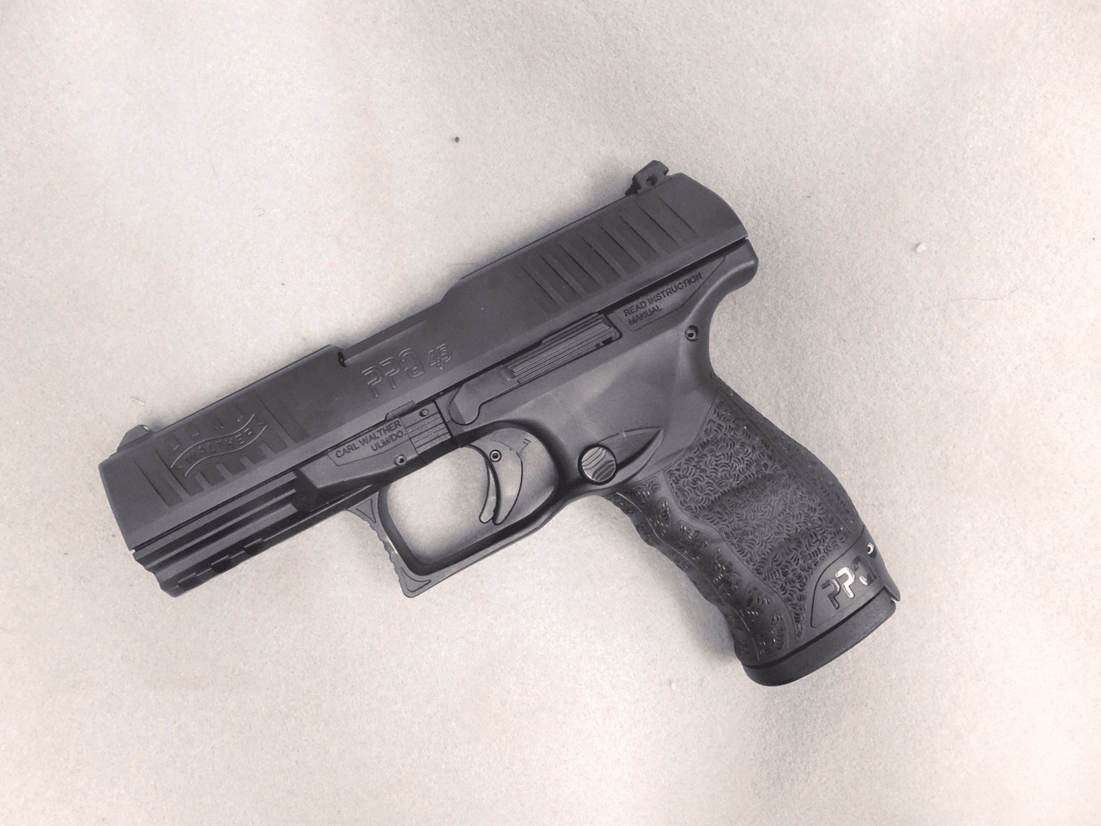 Walther PPQ (.45) Two mags and original case