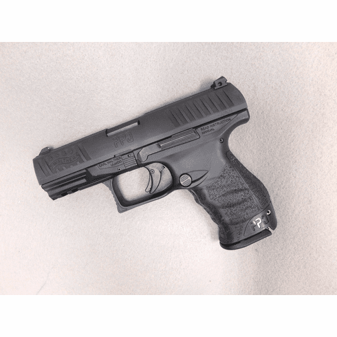Walther PPQ (9mm) Two mags and original case