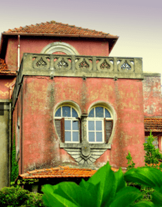 """""""House of Love"""" Portugal"""