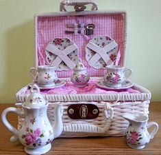Dainty Sue Tea Set - Sold Out