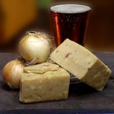 English Cheddar with Caramelized Onions - 3 in stock