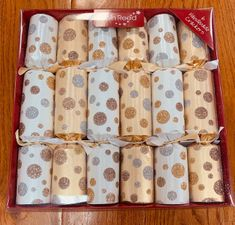 Robin Reed Gold & Silver Sparkle Spots Crackers - 6 pack - 4 In Stock